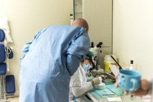 Haartransplantatie Arjan Benning - meekijken bij assistente